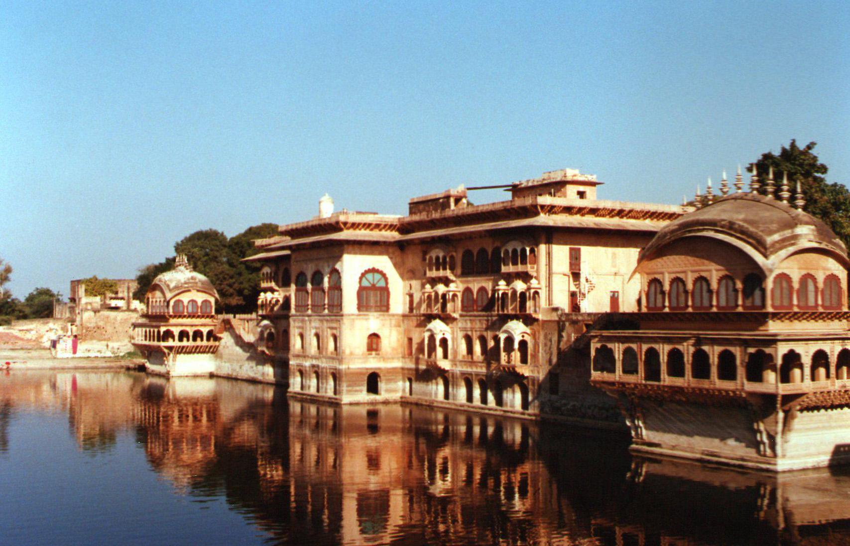 http://www.getbookcab.com/Admin/images/Bharatpur.jpg