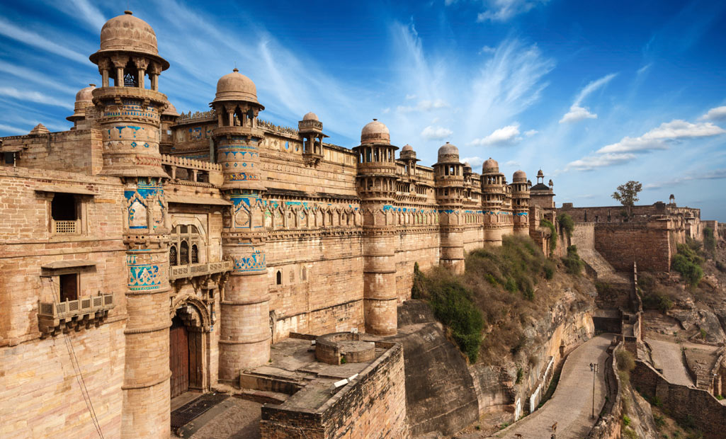 http://www.getbookcab.com/Admin/images/Gwalior-Fort.jpg