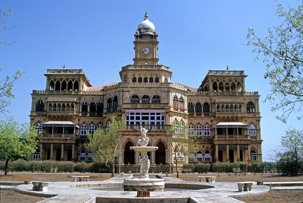 http://www.getbookcab.com/Admin/images/Rajkot.jpg