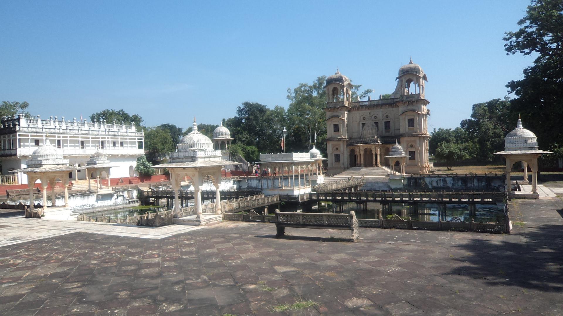 http://www.getbookcab.com/Admin/images/Shivpuri.jpg